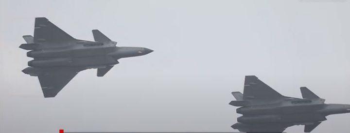 الصين تستعرض لأوّل مرّة مقاتلات الشبح الجديدة