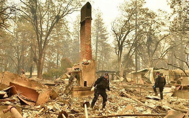 ارتفاع عدد قتلى حرائق كاليفورنيا إلى 42 شخص
