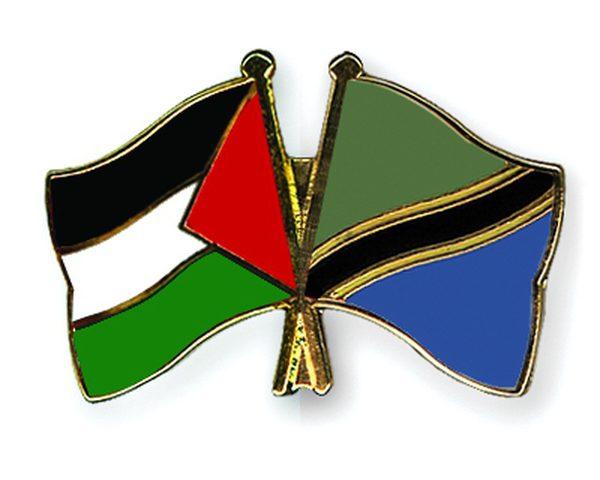 سفيرنا لدى تنزانيا يلتقي رئيس الوزراء التنزاني