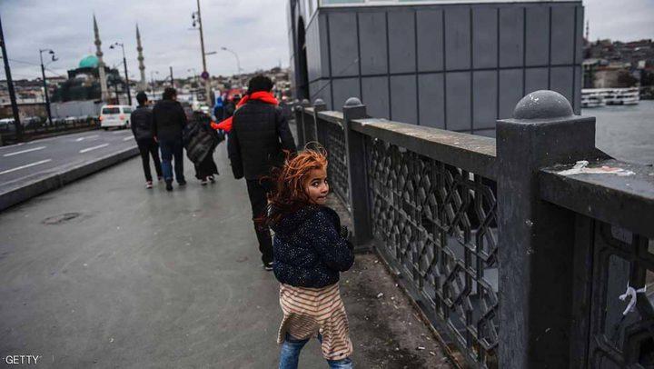 يحقق في مليار يورو مخصصة للاجئين السوريين بتركيا