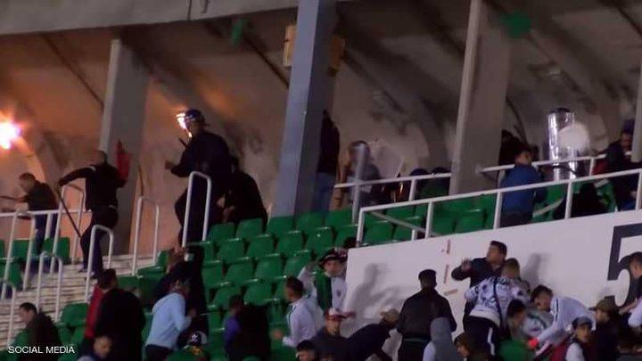 """الجزائر.. عشرات المصابين في """"معركة كروية"""""""