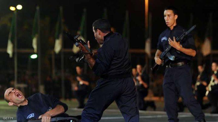 إصابة 10 شرطيين وتوقيف 30 بعد شغب كروي بالجزائر