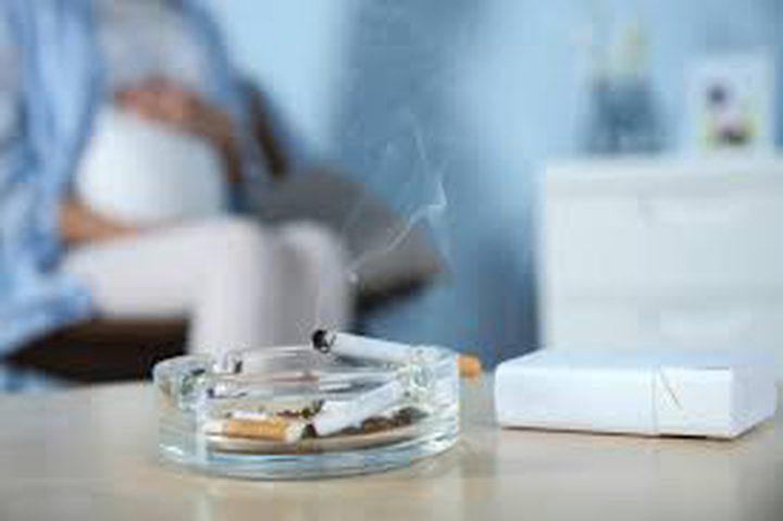 العلاقة بين تدخين الأم الحامل والسمنة لدى طفلها