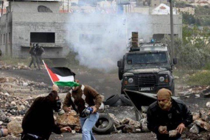 اصابات بالرصاص جراء قمع الاحتلال مسيرة سلمية