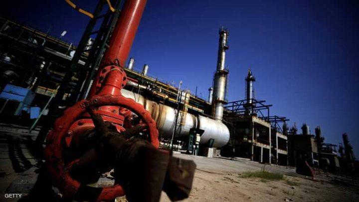 النفط يهبط بفعل زيادة في المخزونات الأميركية