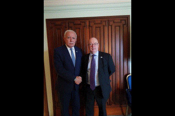 المالكي يلتقي وزير الدولة البريطاني لشؤون الشرق