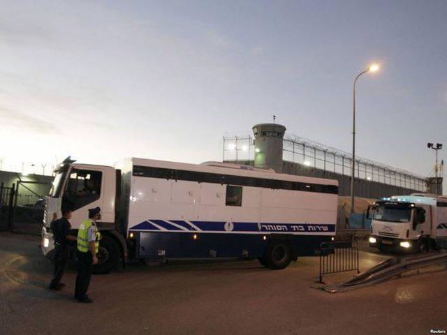 الاحتلال يمدد اعتقال مواطنة من قباطية