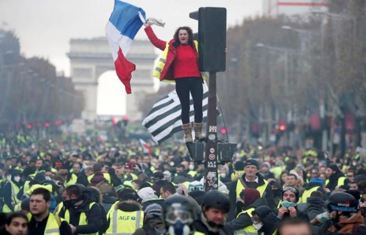 ارحل يا ماكرون: السترات الصفراء تحتشد مجددا بباريس