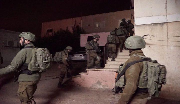 اعتقالات بينهم محافظ القدس