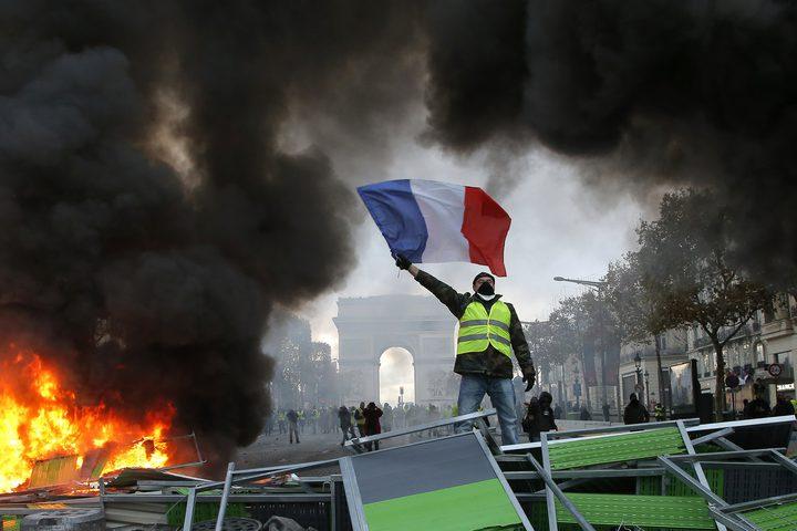 عودة الهدوء لفرنسا بعد الاحتجاجات الشعبية
