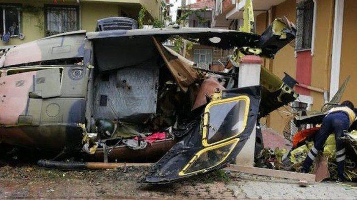 تحطم مروحية عسكرية فوق احد الاحياء السكنية