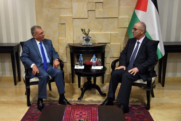 برعاية وحضور رئيس الوزراء  توقيع مذكرة تفاهم لاستضافة فلسطين اعمال المؤتمر العلمي الدولي السابع لاتحاد الاحصائيين العرب