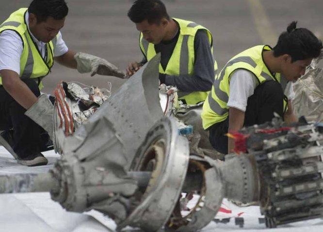 """الطائرة الإندونيسية المنكوبة """"لم تكن مؤهلة للطيران"""