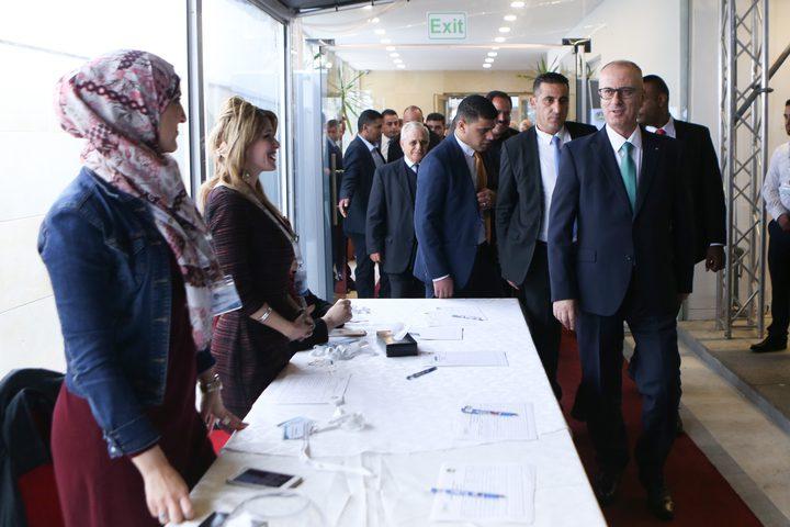 رئيس الوزراء د. رامي الحمد اللهيثمن جهود القائمين على تطويع التكنولوجيا المالية كأداة للتنمية وخلق فرص العمل خلال حفل إطلاق فعاليات يوم تكنولوجيا المعلومات والاتصالات الثاني عشر