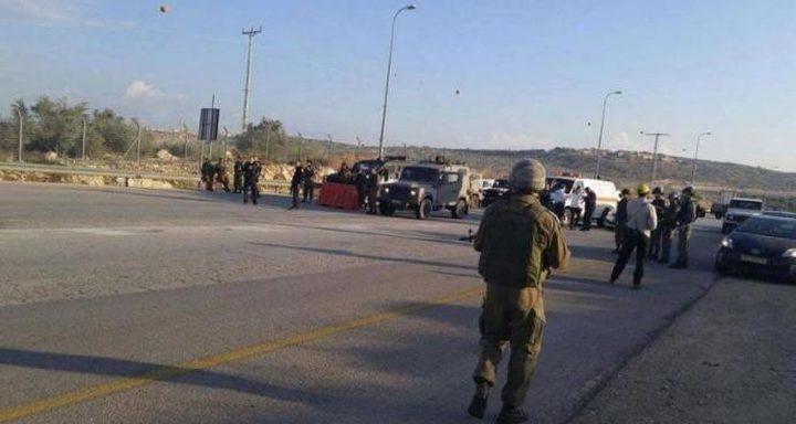 الاحتلال يغلق مدخل دير أبو مشعل