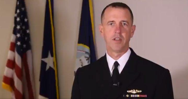 العثور على قائد البحرية الأمريكية متوفيًا بالبحرين