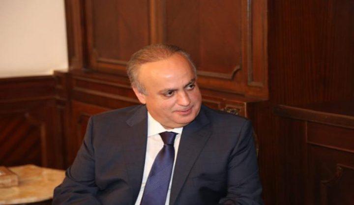 فرانس برس: مداهمة منزل وزير سابق حليف لحزب الله