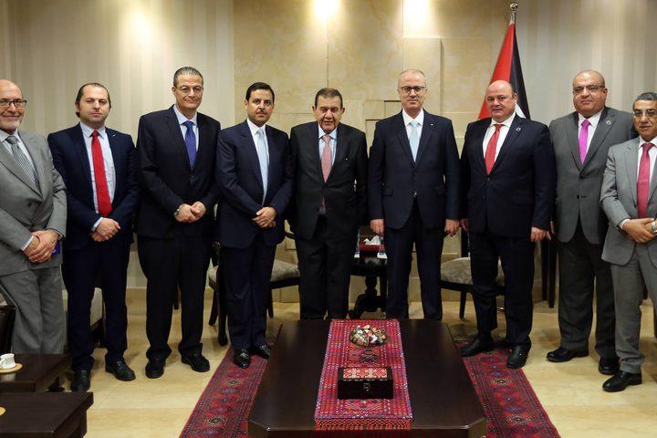 رئيس الوزراء د. رامي الحمد الله يلتقي محافظالبنك المركزي الأردني د. زياد فريز .