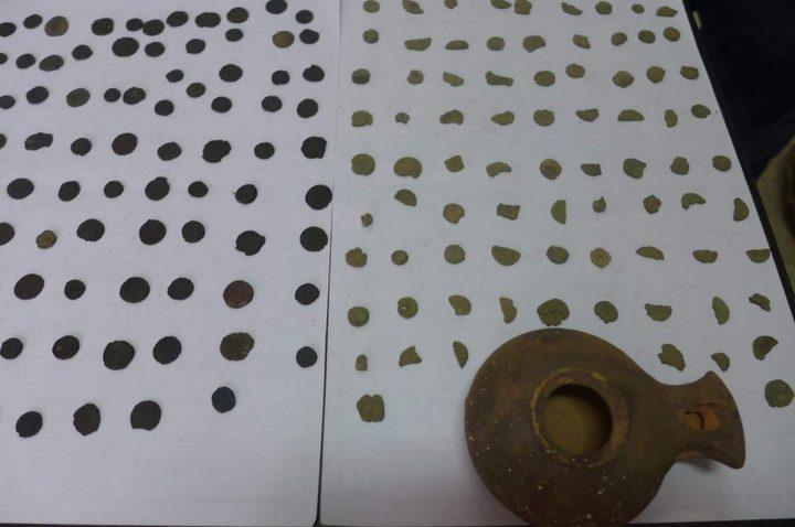 الشرطة تضبط 32 قطعة معدنية وفخاريه اثرية
