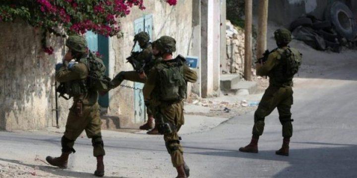 الاحتلال يقتحم منزل في الخليل ويجري تدريبات بداخله