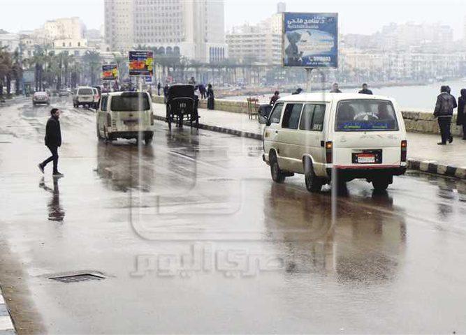 مصرع شخص وغلق موانئ جراء سوء الأحوال الجوية في مصر