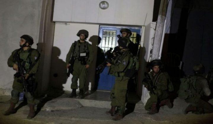 قوات الاحتلال تقتحم منزلاً شمال الخليل