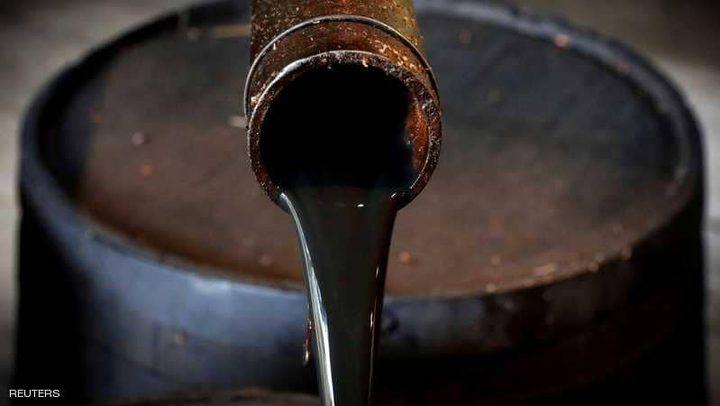 النفط ينخفض بانتظار القرار الروسي