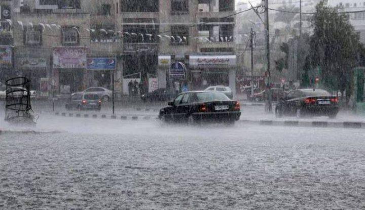 الأشغال العامة تغلق شارعا في جنين نتيجة السيول
