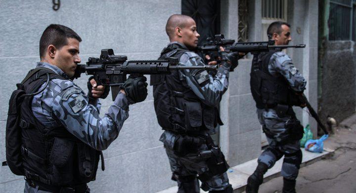 الشرطة تخلص رهينة بتصفية مختطفها