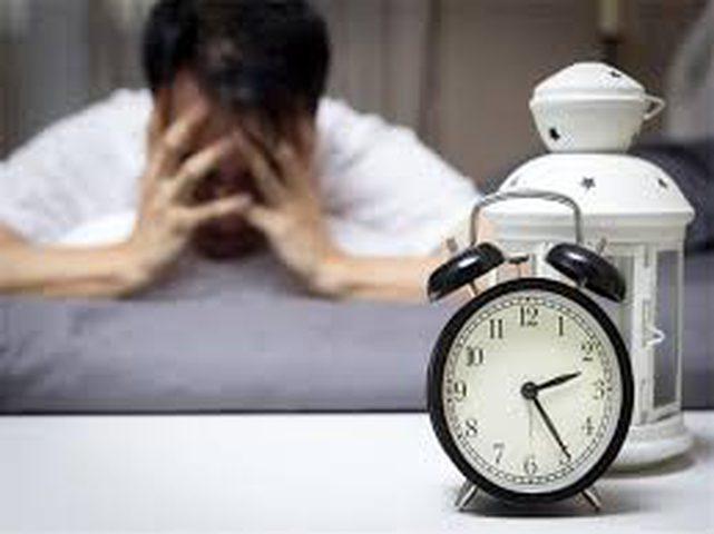 كيف يمكنك البقاء يقظاً بعد ليلة طويلة من الأرق؟