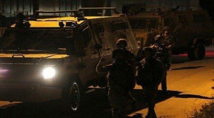 قوات الاحتلال تغلق طريق الجلزون برام الله