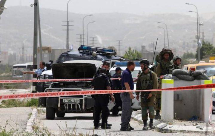 الاحتلال يحتجز مركبة اسعاف تنقل مرضى وإصابة مواطن