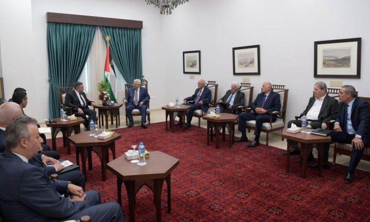 وفد من المخابرات المصرية ينقل رسالة للرئيس عباس من السيسي
