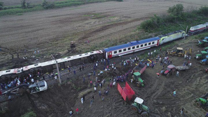 تركيا.. مصرع 7 أشخاص في حادث قطار