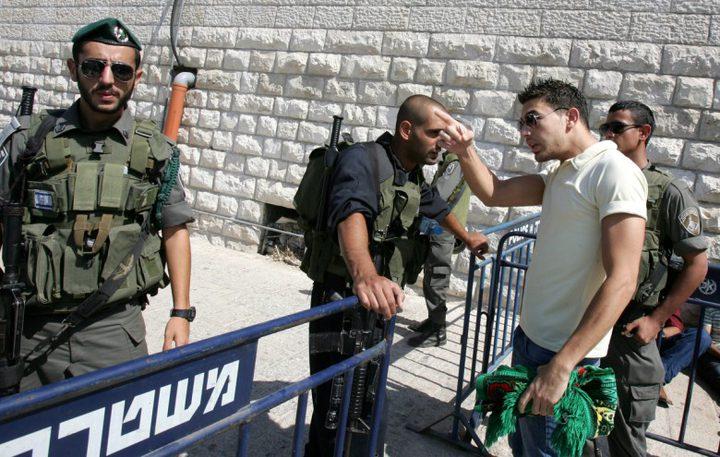 الاحتلال يُمدد اعتقال 13 مقدسياً حتى الأحد المقبل