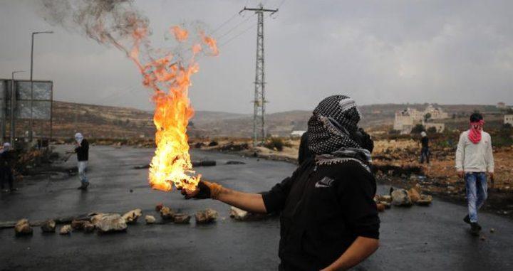 إصابات بالغاز بمواجهات مع الاحتلال غرب ضاحية شويكة