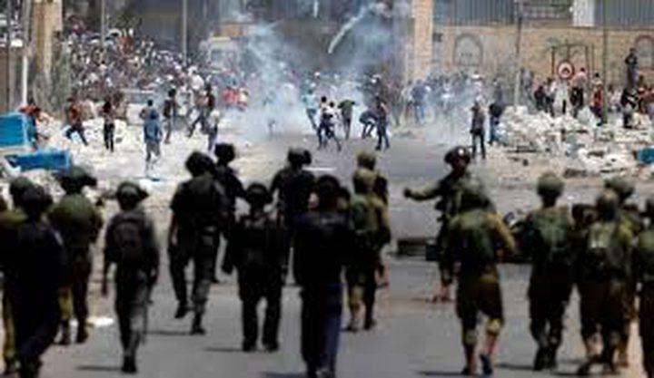 4 اصابات بينهم صحفي خلال مواجهات مع الاحتلال في الخليل