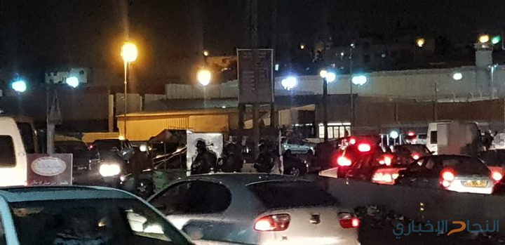 الاحتلال يغلق حاجز قلنديا
