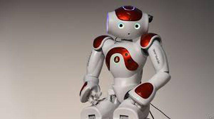 """روبوت روسيا """"الأكثر تطورا"""".. رجل في الداخل"""