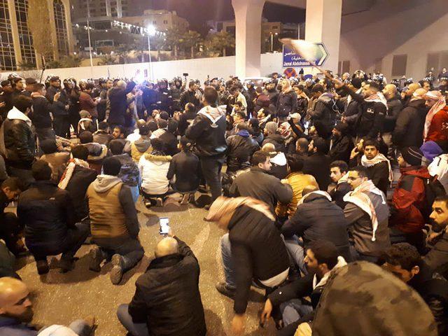 الاردن: إصابة 10 من عناصر الأمن خلال وقفة احتجاجية