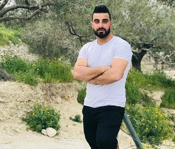 قوات الاحتلال تعتقل شابًا من منزله في سبسطية