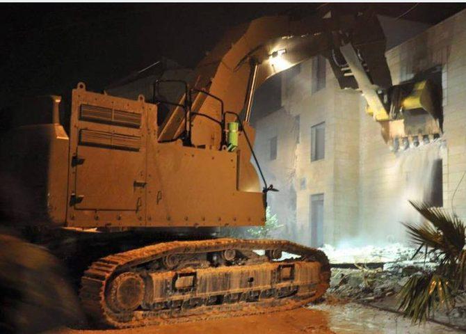 الاحتلال يفجر منزل عائلة ابو حميد مرة ثانية
