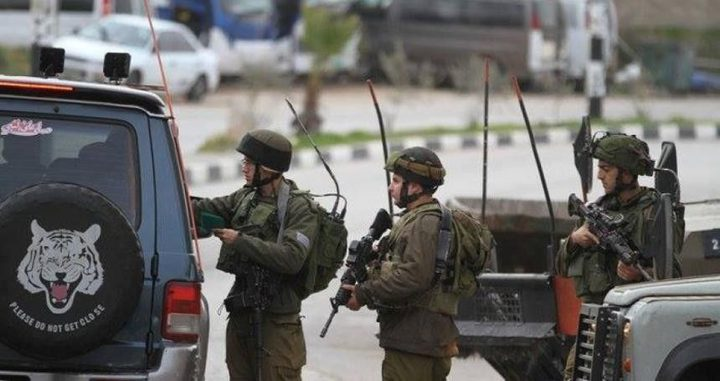 الاحتلال ينصب حاجزا عسكريا على مدخل الريف الغربي لبيت لحم