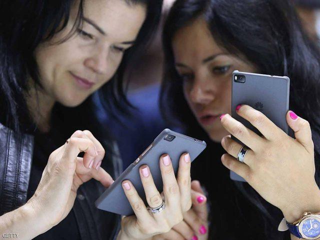 لماذا لا ينبغي أن تشتري هاتفا ذكيا الآن؟