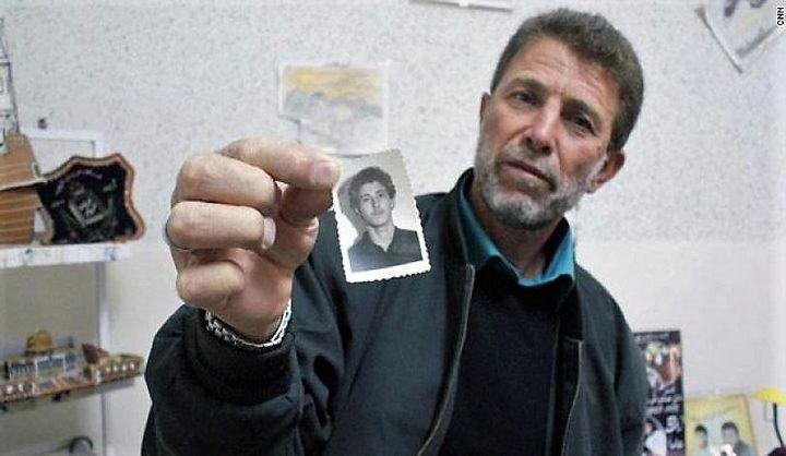 الاحتلال يمنع شقيقة الأسير نائل البرغوثي من زيارته