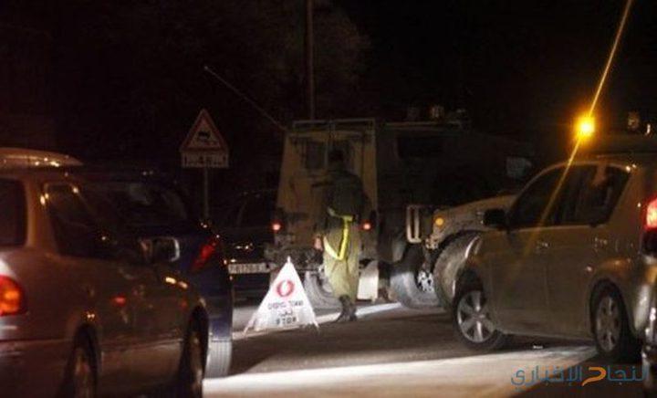 مستوطنون يهاجمون مركبات المواطنين على شارع البيرة الجلزون