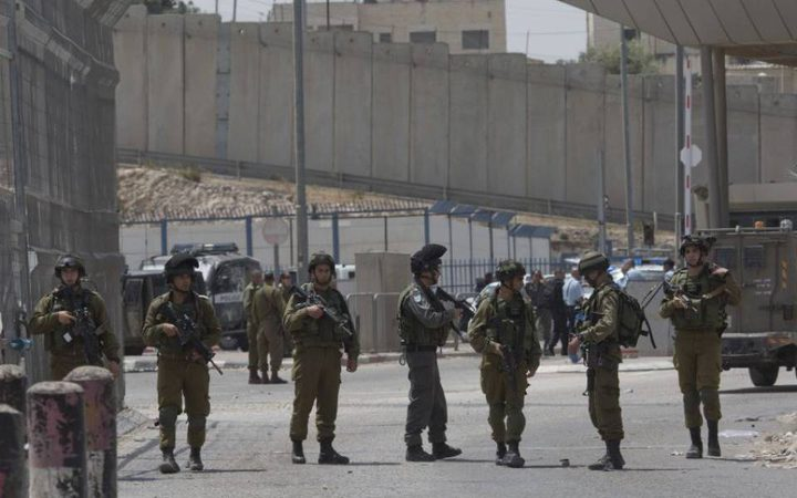 الاحتلال يواصل إغلاق المداخل الرئيسية لرام الله والبيرة