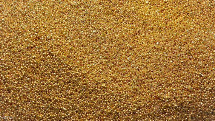 الذهب يرتفع مع تراجع الدولار وأسواق الأسهم