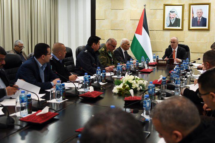 رئيس الوزراء د. رامي الحمد الله يلتقي أعضاء اللجنة العليا للعلاقات العامة والاعلام في المؤسسة الامنية