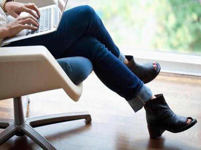 ما هي خطورة عادة وضع ساق فوق أخرى ؟